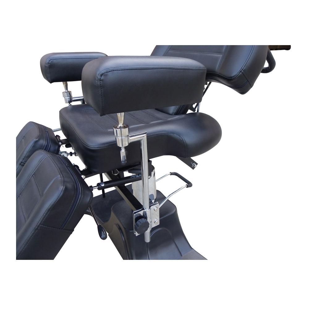 Large adjustable armrest for greater range of use